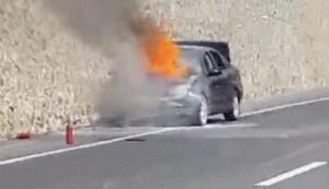 Araç yandı