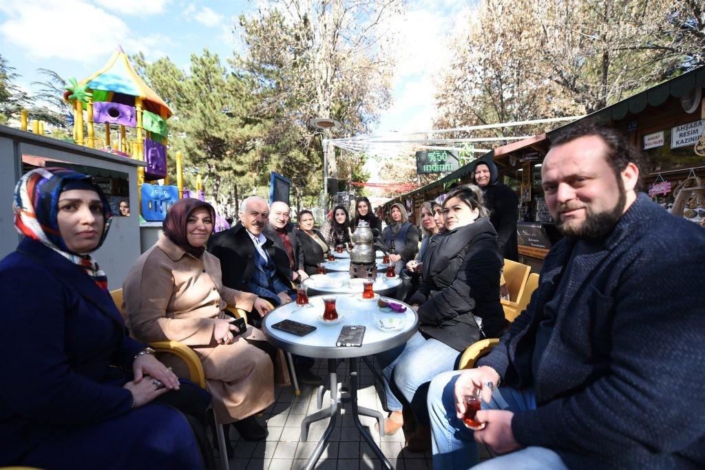 Başkan Gül Sanat Sokağı'nı ziyaret etti