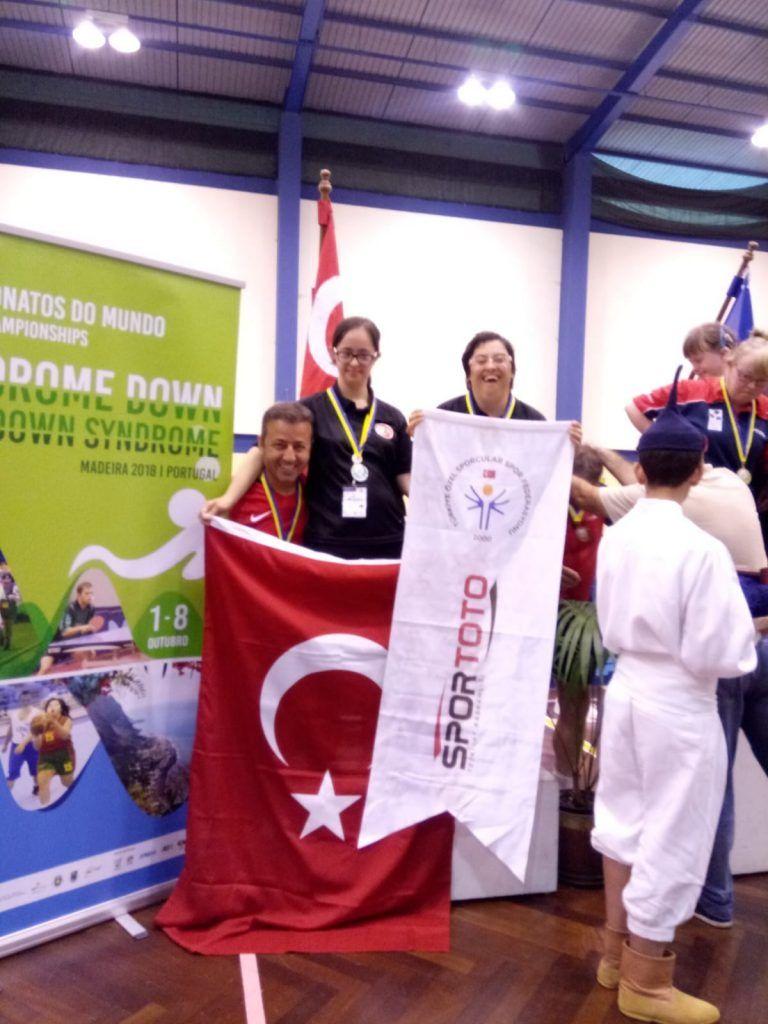 Başkan Gül, Dünya ikincisi Merve Peker'i tebrik etti